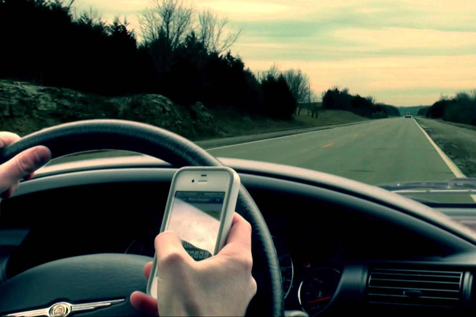 На автотрассах России ухудшилась мобильная связь