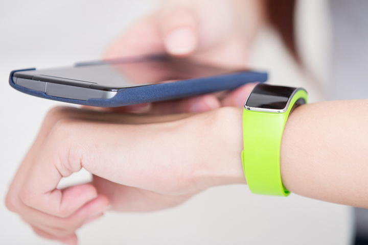 Какие «умные» вещи, помимо смартфона, могут принести вам пользу прямо сейчас