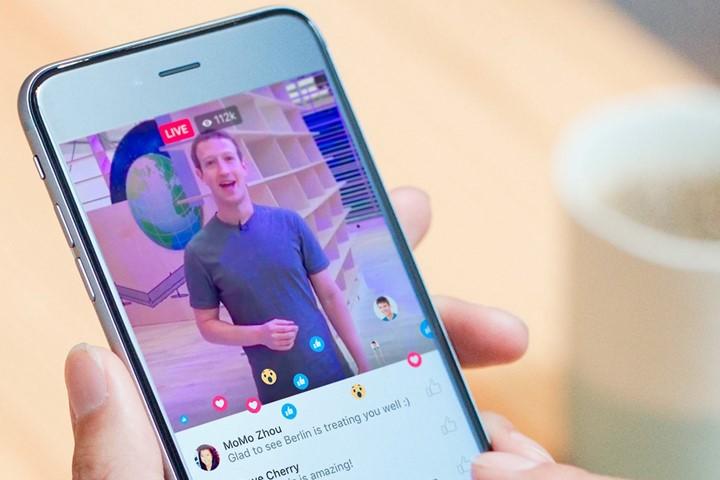 Facebook запускает прямые видеотрансляции в веб-версии соцсети