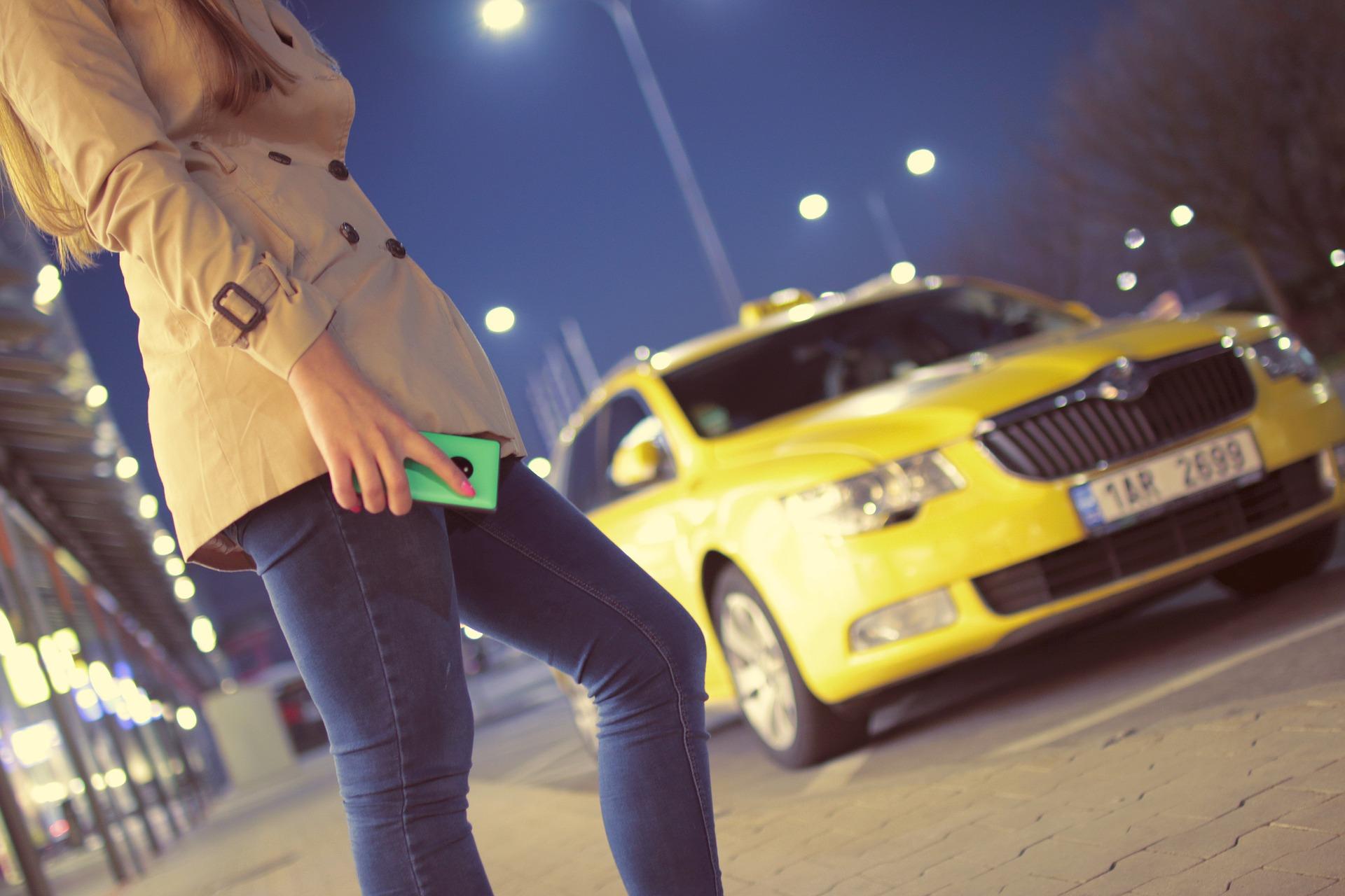 «ВКонтакте» добавит в приложение функцию вызова Gett и «Яндекс.Такси»