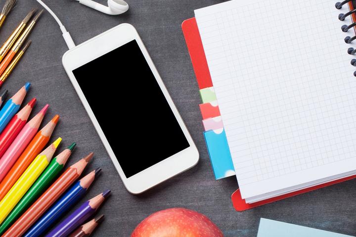 Три четверти российских школьников «живут» в интернете круглосуточно