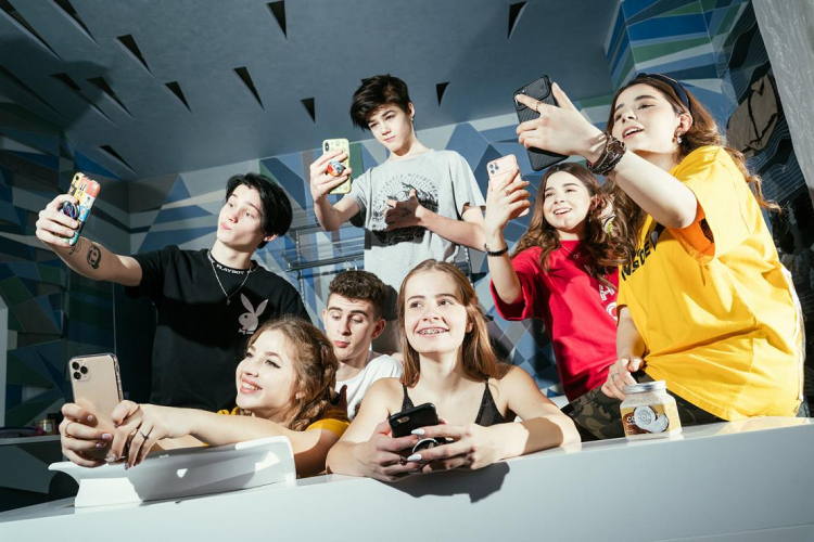 МегаФон запустил тариф с TikTok-домом Dream Team House