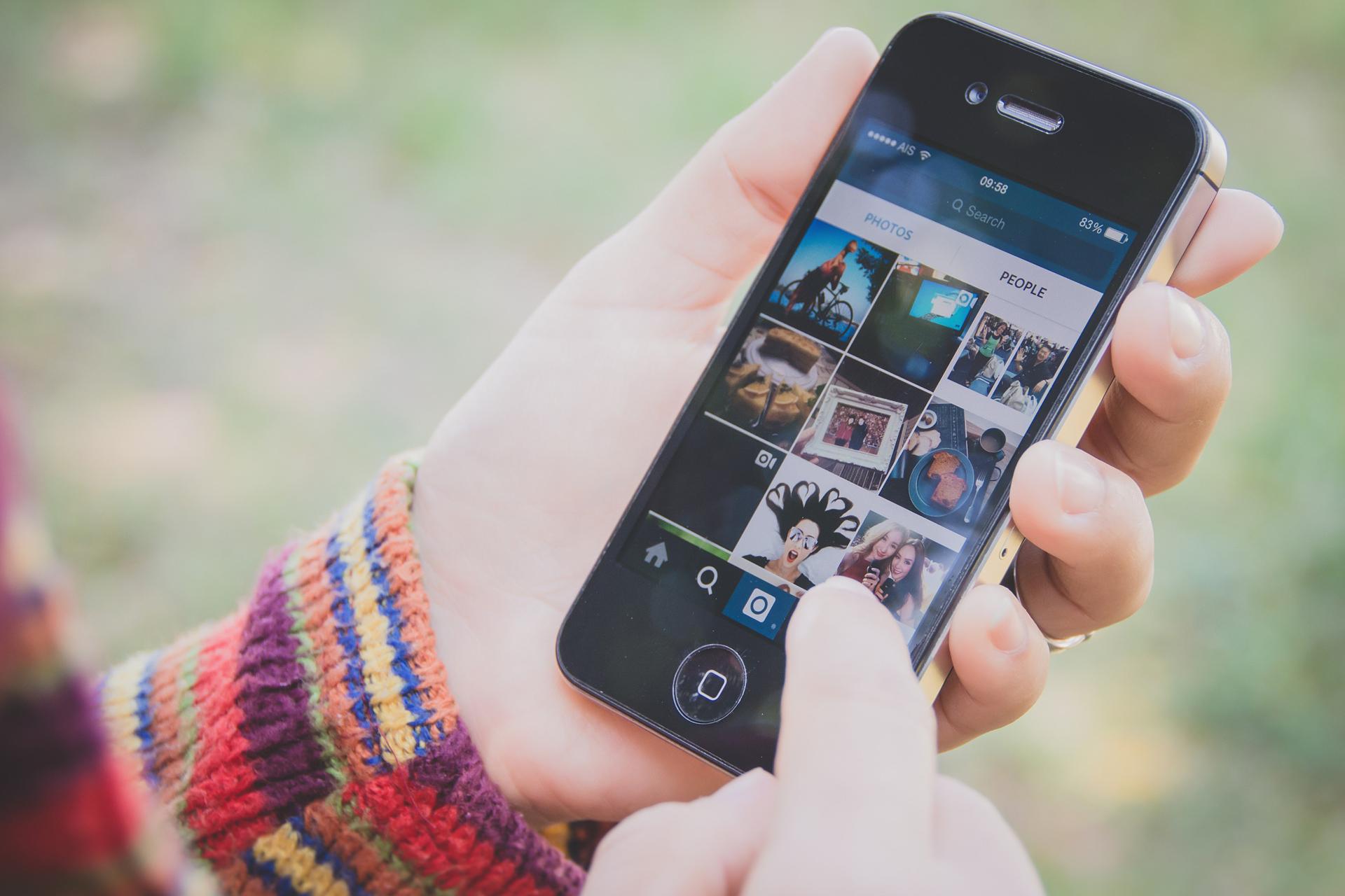 Ежедневная аудитория Instagram Stories превысила количество пользователей Snapchat