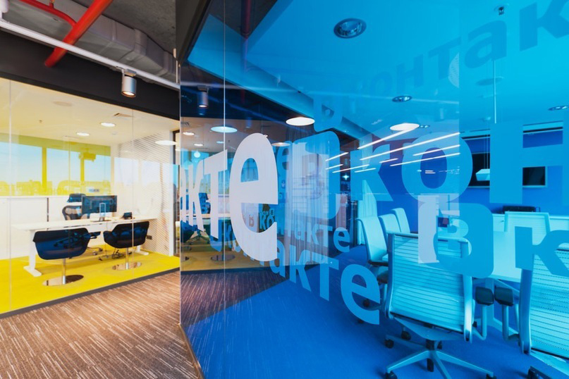 «ВКонтакте» до конца года запустит виртуального оператора на сети «Мегафона»