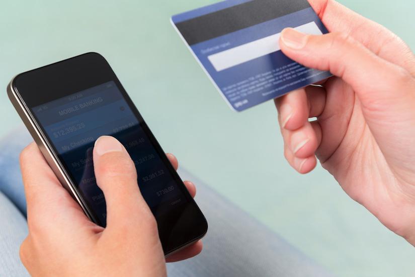 Сотовые операторы будут официально «сливать» данные абонентов банкам