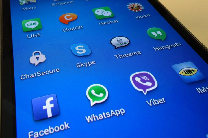 Россияне стали почти в пять раз интенсивнее пользоваться соцсетями, почтой и мессенджерами с мобильных устройств