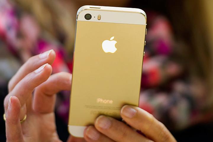 В сети «МегаФона» зарегистрирован миллионный iPhone 5S