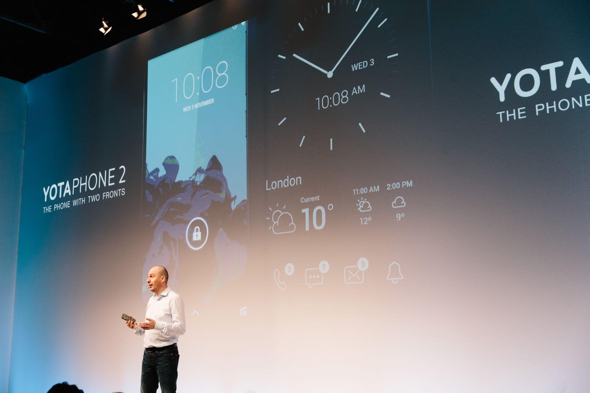 Русский смартфон YotaPhone продали китайцам
