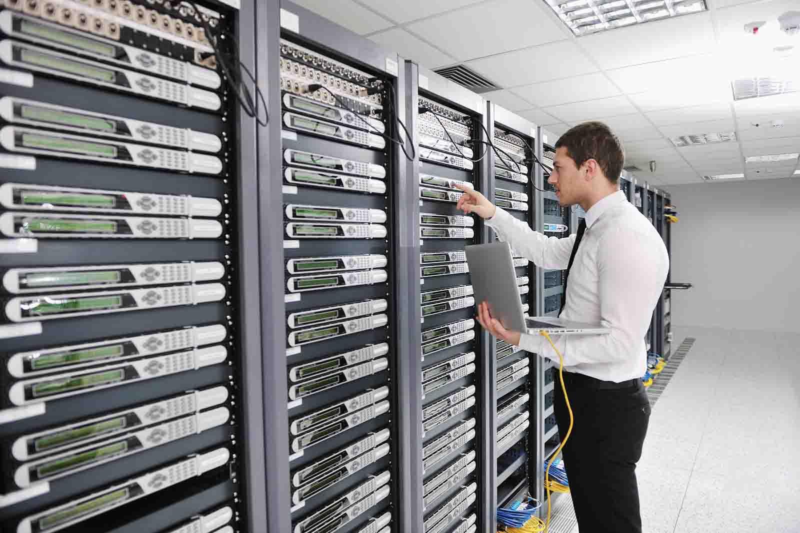 Минкомсвязи опубликовало список данных, которые операторам обязательно хранить три года