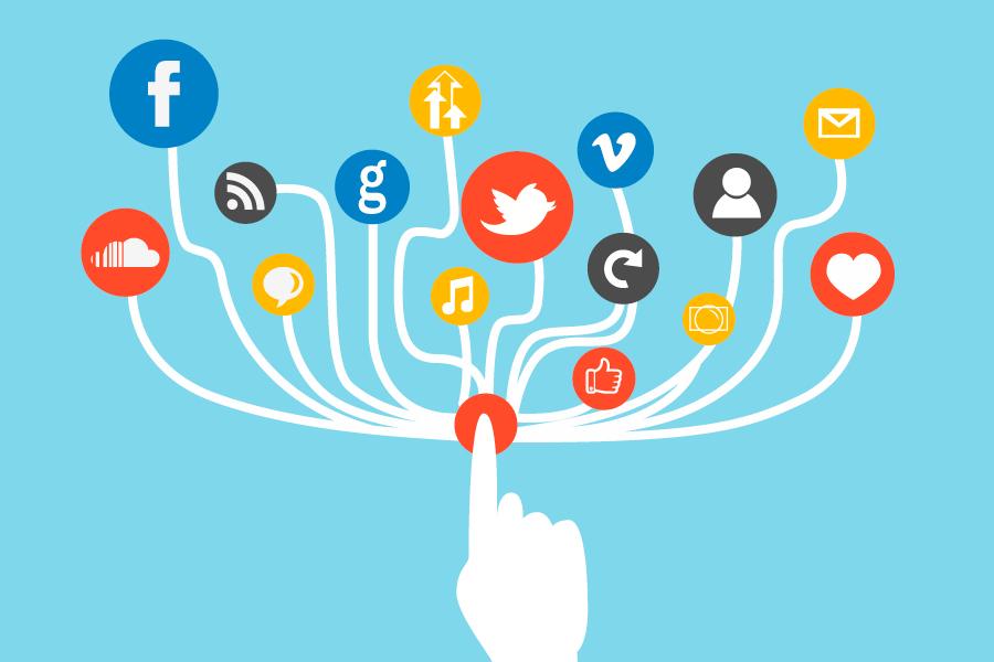 Социальные сети как средство публичной коммуникации. Кто популярнее?