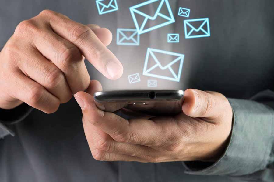 Банки подают иски в суд на операторов связи из-за СМС-рассылок