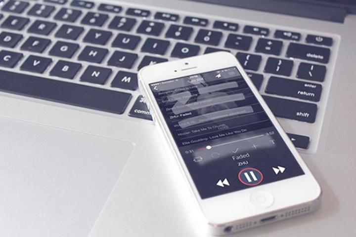 Соцсеть «ВКонтакте» вернула музыку для iPhone