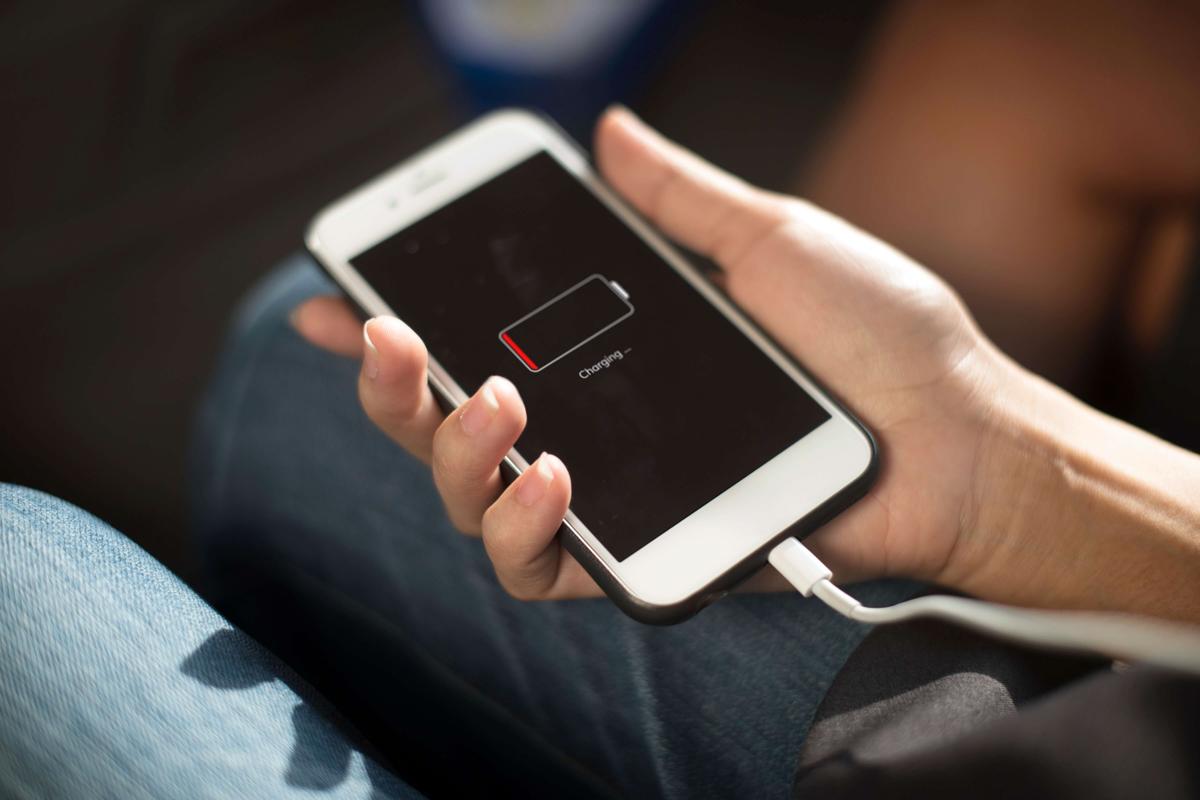 """Пора ли менять свой смартфон - разбираемся с признаками """"смерти"""" телефона"""