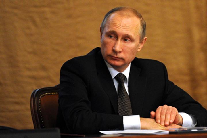 Путин заставил сотовых операторов отвечать на жалобы в 2 раза быстрее