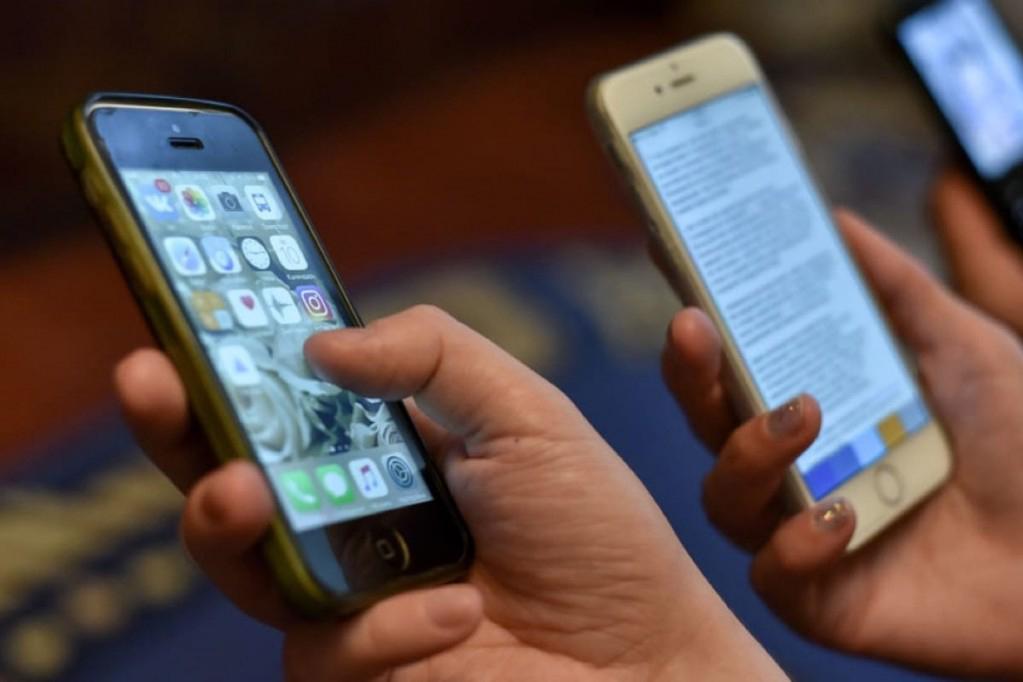 Количество новых абонентов сотовой связи снизилось впервые за 12 лет