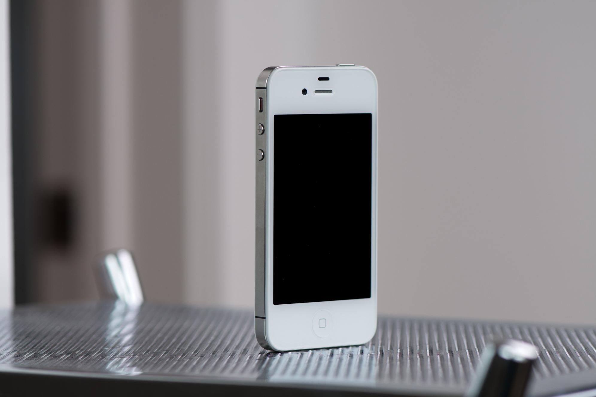 Смартфоны четвертого поколения объявлены устаревшими