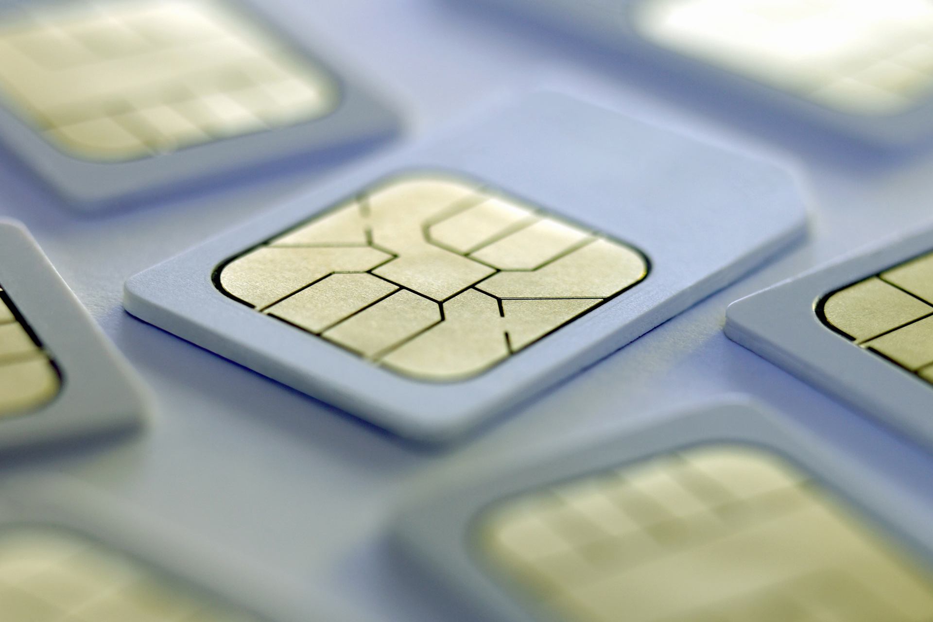 Телефоны без SIM-карты — реальность или утопия?